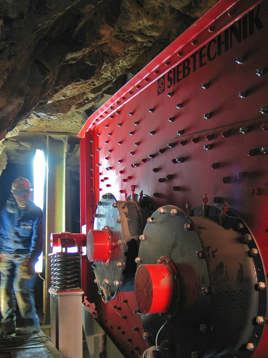 Elliptical-motion screening machine EZ 18-50II FRWS for lime