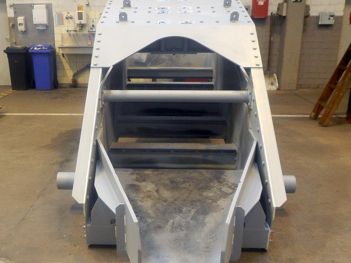 Linearschwingsiebmaschine HR 14-40-I FR Fertigung