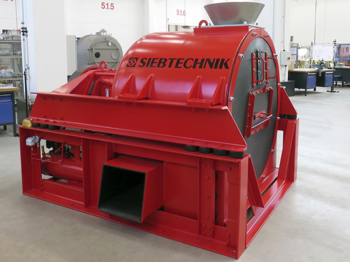 Schwingzentrifuge HSG 1100 in der Werkshalle des Zentrifugen Technologie Zentrums in Mülheim an der Ruhr