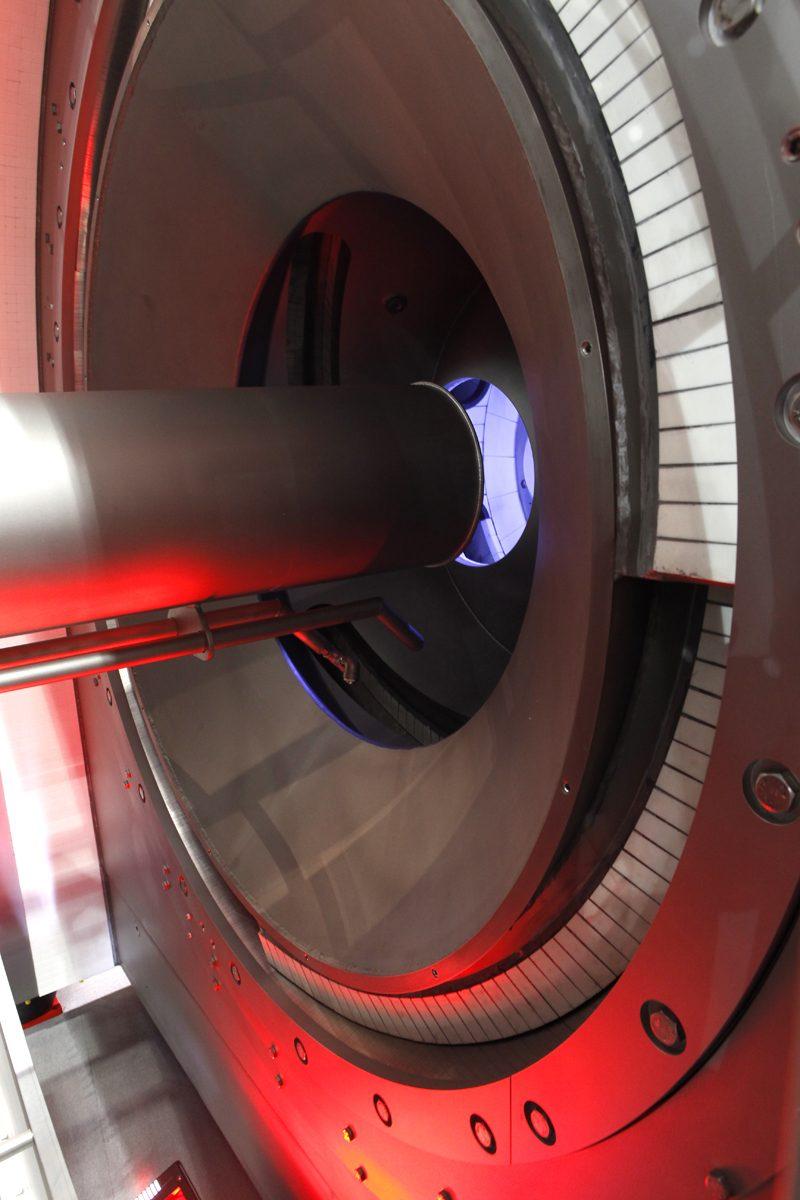 Siebschneckenzentrifuge CONTURBEX CX Feststoffangraum und Einlaufrohr